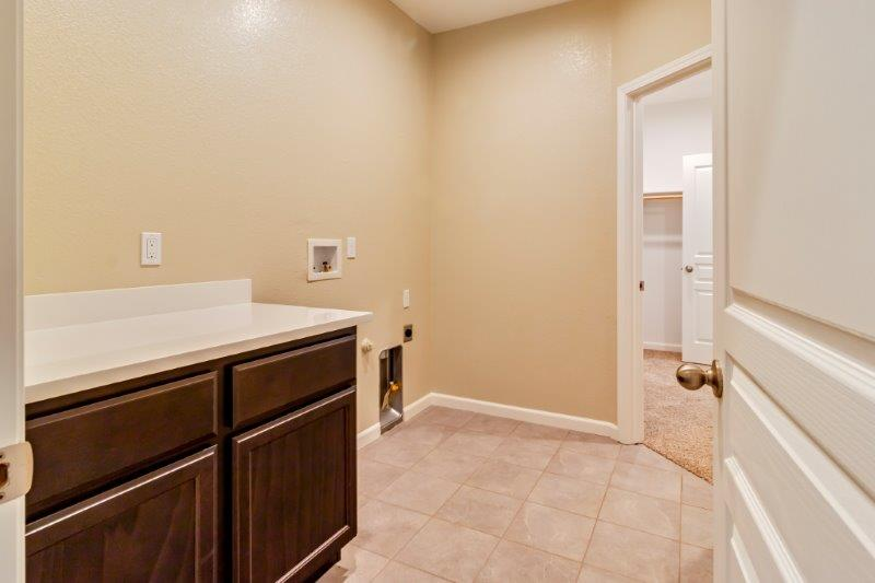optional access from laundry room to master closet
