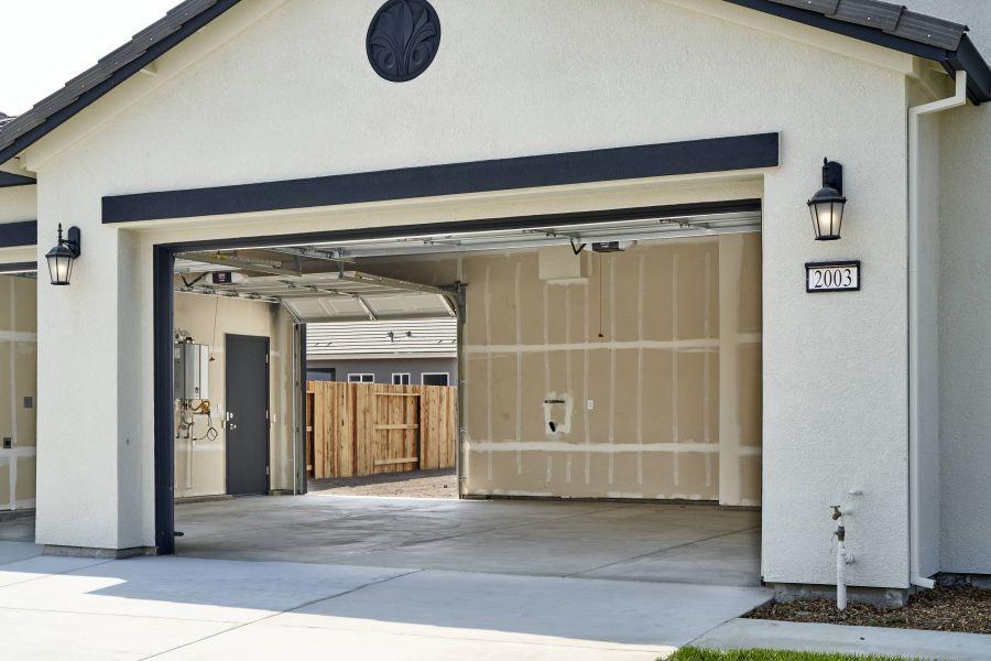 3-car garage option