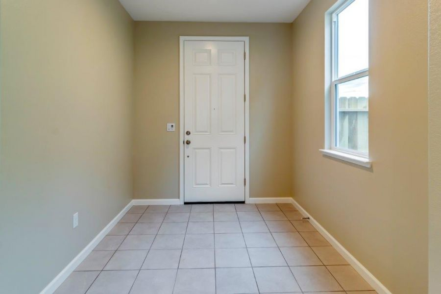 Defined entry with tile - standard!