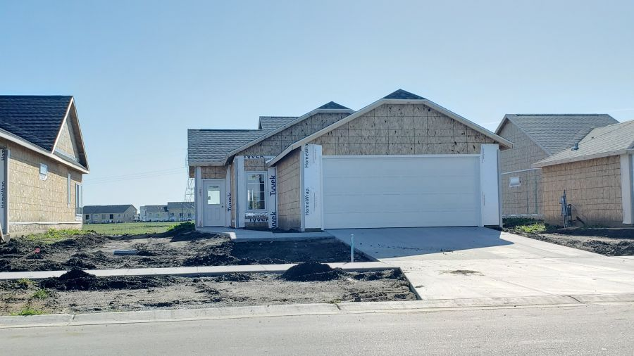 2010 62nd Avenue S, Fargo, ND 58104