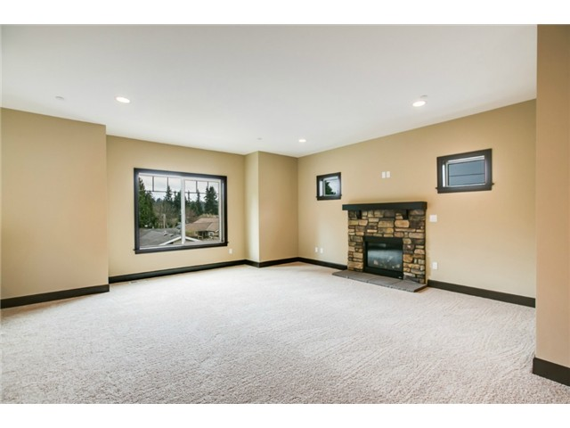 8630 Home Family Room Interior