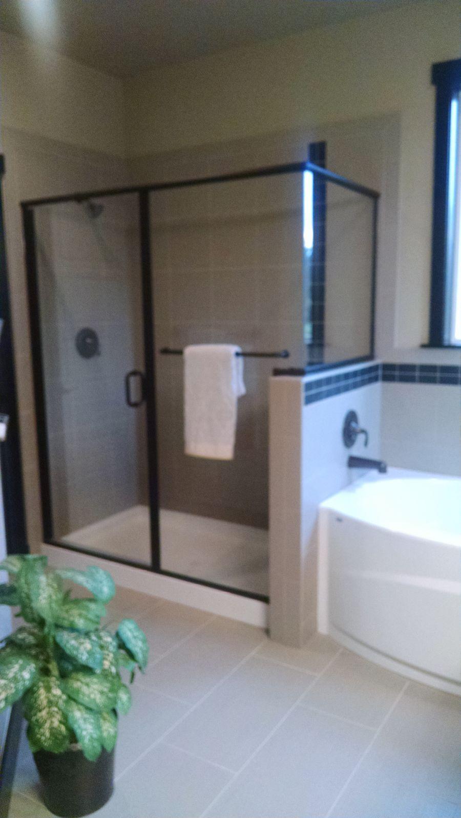 The Pilchuck 3591 Master Bathroom