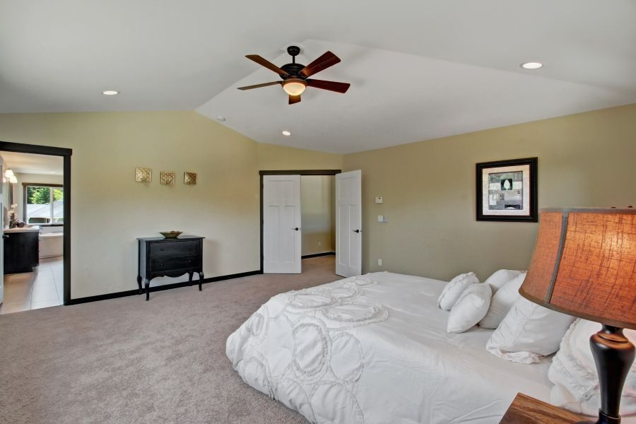 34072 Home Master Bedroom Interior