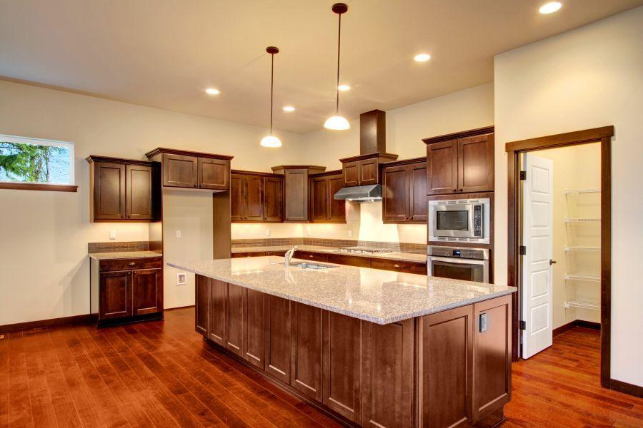 Chestnut 2766 Kitchen