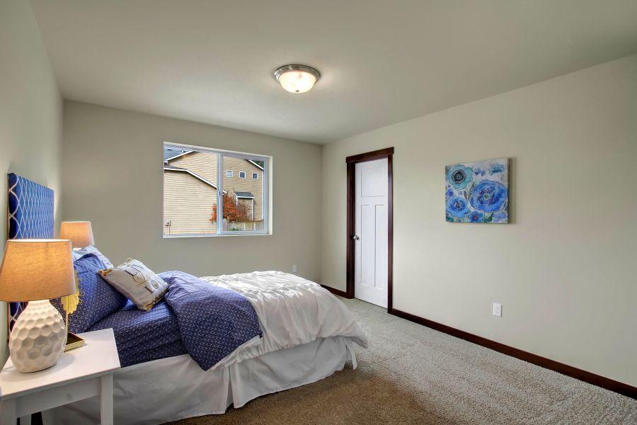 The Poplar 2305 Bedroom 2