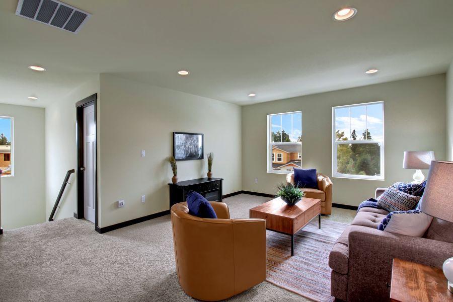 The Poplar 2305 Bonus Room Upstairs